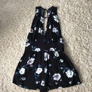 Kendall & Kylie Pacsun black floral romper